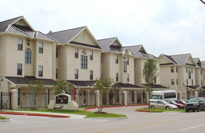photo of the Bayou Oaks Apartments