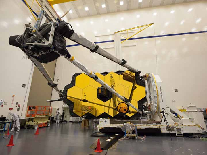 The Hewlett Packard Enterprise Seminar Series presented NASA's current project and upcoming launch dates for its new James Webb Telescope.